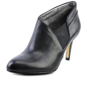 Adrienne Vittadini Tikki black leather heel bootie
